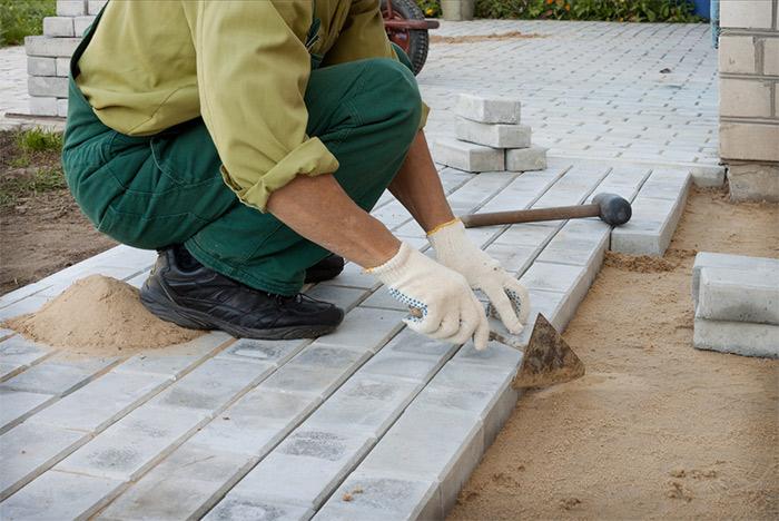 Aux Jardins des Rêves, votre entreprise de maçonnerie paysagère dirigée par Philippe-Alban Barsolle est à votre service pour réaliser la constructions de vos ouvrages paysagers.